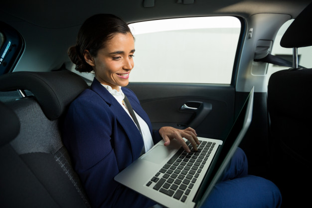 4 Unmatched Tips to Get the Most Out of Your Corporate Cab Journey